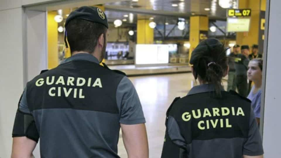 La Guardia Civil interviene en una fiesta ilegal en Arucas