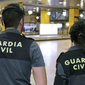 Guardia Civil pareja